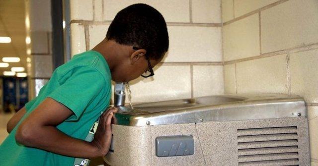 یاری نیم میلیون دلاری بنیاد ماسک برای تصفیه آب مدارس